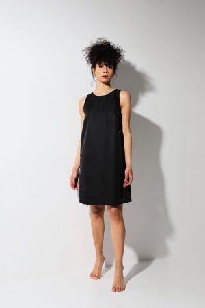Essential black dress – abito nero SEAQUAL® YARN